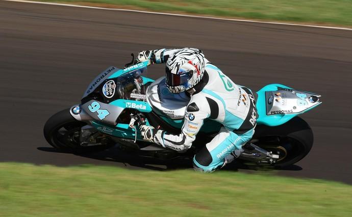 Matthieu Lussiana em ação na etapa de Cascavel da Moto 1000 GP (Foto: Divulgação)