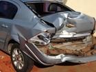 Motorista escapa por segundos de ser atingido por carro em GO; vídeo