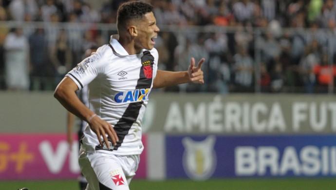 Paulinho Atletico-MG x Vasco (Foto: Agência Estado)