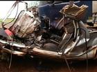 Acidente mata motorista e deixa picape irreconhecível na GO-174