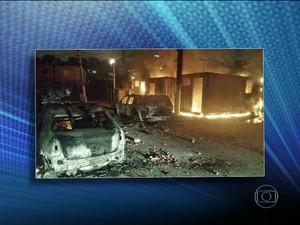 Ataque à UPP Manguinhos, na Zona Norte do Rio  (Foto: Reprodução / TV Globo)