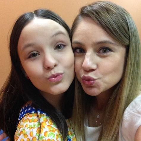 Larissa Manoela e Juliana Baroni  (Foto: Divulgação)