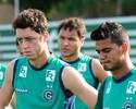 Kleina revela concorrência inglesa, mas não descarta Felipe Menezes