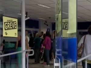 Greve dos bancários fecha agências da região de Sorocaba e Jundiaí (Foto: Reprodução/TV TEM)