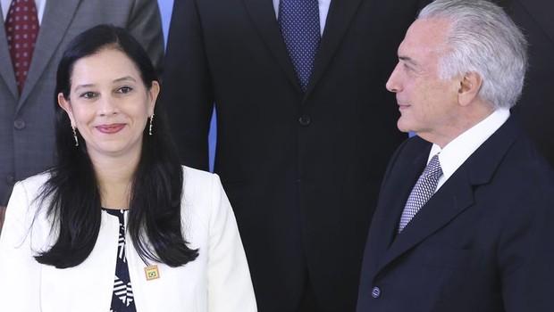 Grace Mendonça toma posse como ministra da AGU em cerimônia com Michel Temer (Foto: Antonio Cruz/Agência Brasil)