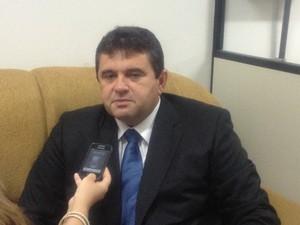 Governador de Roraima em entrevista ao G1 (Foto: Emmily Melo/G1)