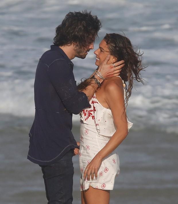 Fiuk e Isis Valverde (Foto: Delson silva/AgNews)