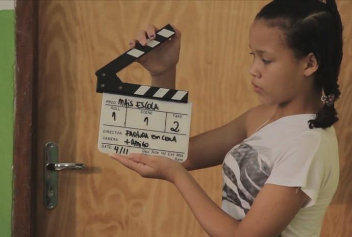 Galerinha aprende e depois manda ver nas produções próprias (Foto: Reprodução / TV TEM)