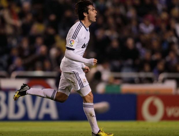 Kaká comemora gol do Real Madrid sobre o Deportivo La Coruna (Foto: Reuters)