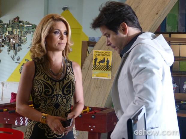 Jonas estranha tom de Pamela ao falar do fundados da Plugar (Foto: Geração Brasil/TV Globo)