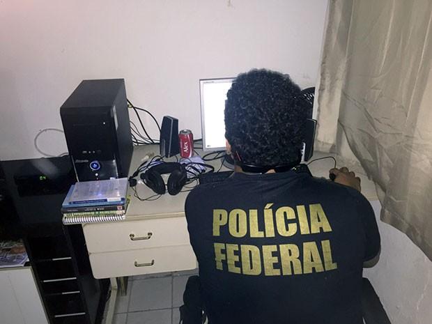 Objetivo da operação é combater o armazenamento e a distribuição de fotos e vídeos de material pornográfico infantil pela internet (Foto: Divulgação/PF)
