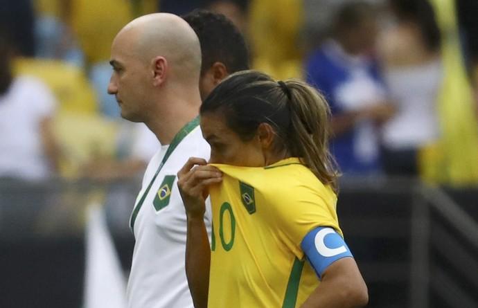 brasil futebol feminino marta maracanã suécia choro (Foto: Leonhard Foeger  / Reuters)