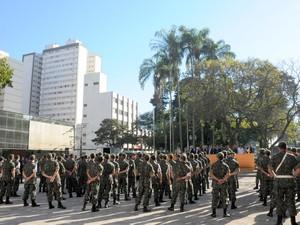 Homens do Tiro de Guerra participam de abertura de evento (Foto: Justino Lucente/Prefeitura de Piracicaba)