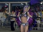 Calcinhas bem cavadas e tapa-sexos marcam noite de desfile no Rio e em São Paulo