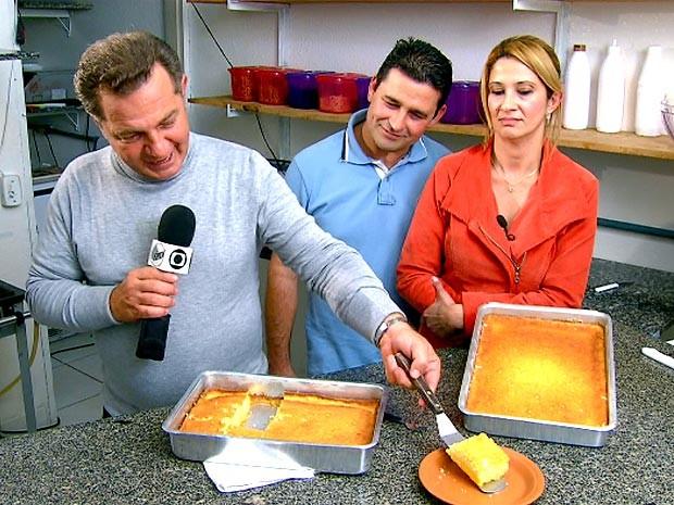 Fernando Kassab e convidados ensinam como fazer um bolo de fubá cremoso (Foto: Reprodução / EPTV)