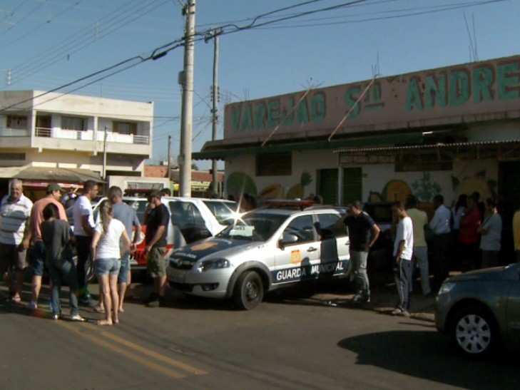 Varejão onde ocorreu tentativa de assalto em Hortolândia (Foto: Reprodução / EPTV)