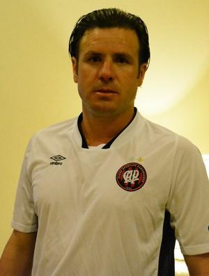 Marcão técnico Atlético-PR Copa SP Futebol Júnior (Foto: Cairo Barros)