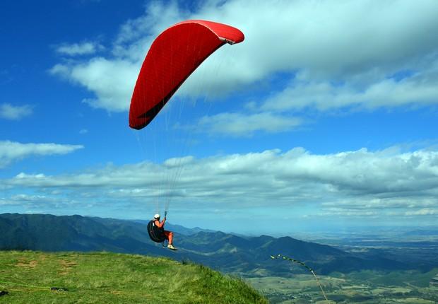 VOO LIVRE: o Pico Agudo, disputado por quem pratica esportes como parapente e asa-delta (Foto: Divulgação)