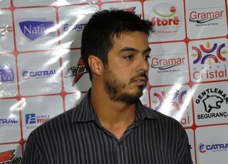 Estevão Moura, gerente de marketing do Vila Nova (Foto: Guilherme Gonçalves/Globoesporte.com)