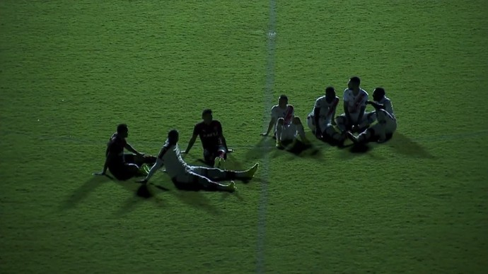 Apagão Vitória x River-PI - Copa do Nordeste 2017 (Foto: Rede Bahia)