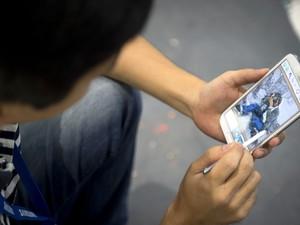 Galaxy Note II foi apresentado pela Samsung em feira (Foto: Odd Andersen/AFP)