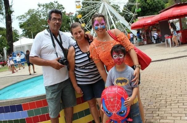 Leonela dos Santos também foi conferir um dia Em Família no Parque Mutirima. (Foto: Divulgação/TV Anhanguera)