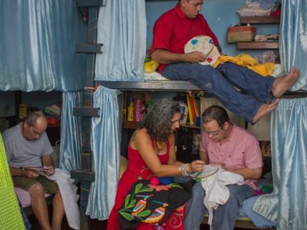 Pagamento faz com que famílias possam comprar produtos básicos para detentos. (Foto: Júlio César Mahr)
