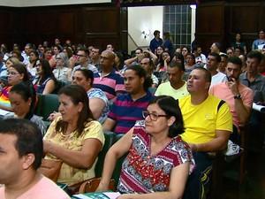 Treinamento de mesários em São Carlos (Foto: Paulo Chiari/EPTV)