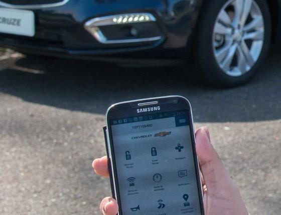Aplicativo para celular permite rastrear, travar ou destravar o carro remotamente (Foto: Divulgação)