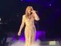 Celine Dion chora em primeiro show após morte do marido, René Angélil
