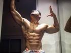 Felipe Franco mostra corpo supersarado e com veias saltadas
