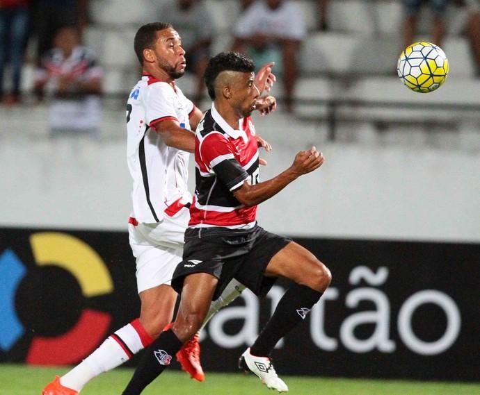 Santa Cruz x Atlético-PR Série A (Foto: Marlon Costa / Pernambuco Press)