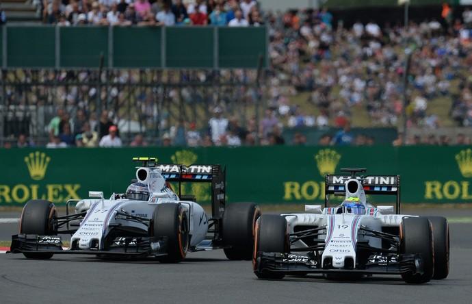Valtteri Bottas chegou a colocar carro do lado de Felipe Massa no início do GP da Inglaterra (Foto: AFP)