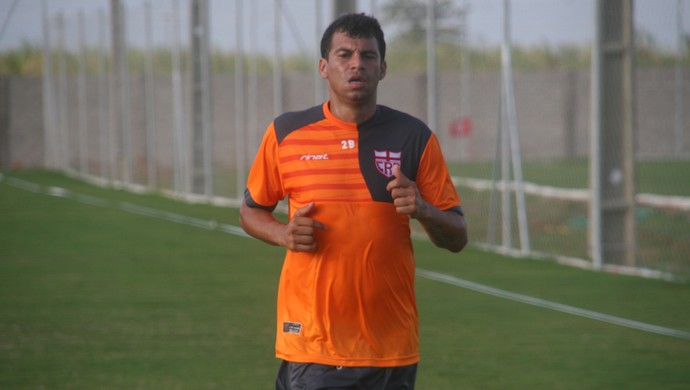 Neto Baiano CRB (Foto: Douglas Silva/Assessoria do CRB)