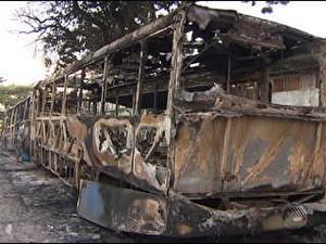 Bahia Salvador ônibus incendiados (Foto: Reprodução/Rede Bahia)