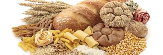 Carboidratos estão em quase tudo, da fruta ao sonho de padaria (Foto: Think Stock)