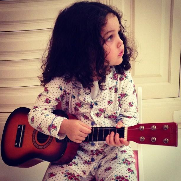Tania Mara ganha serenata de Maysa no Dia das Mães (Foto: Reprodução/Instagram)
