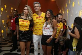 Flávia Alessandra, Otaviano Costa e Giulia (Foto: Gil Rodrigues / Foto Rio News)