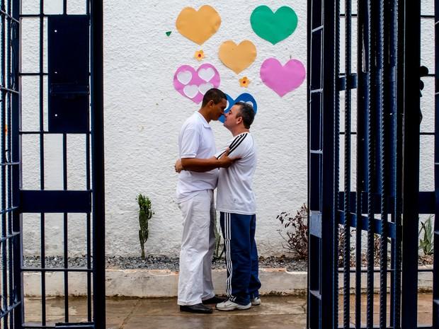 Mauro e Rael se conheceram e casaram no Centro de Ressocialização de Cuiabá. (Foto: José Medeiros/GCOM-MT)