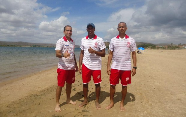 Preparador físico Clécio Santana, preparador de goleiros André Godoy e técnico Jaelson (Foto: Divulgação CEO)