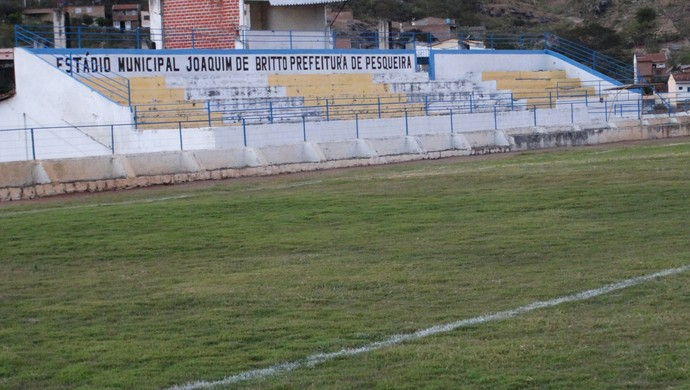 estádio Joaquim de Britto, pesqueira (Foto: Vital Florêncio / GloboEsporte.com)