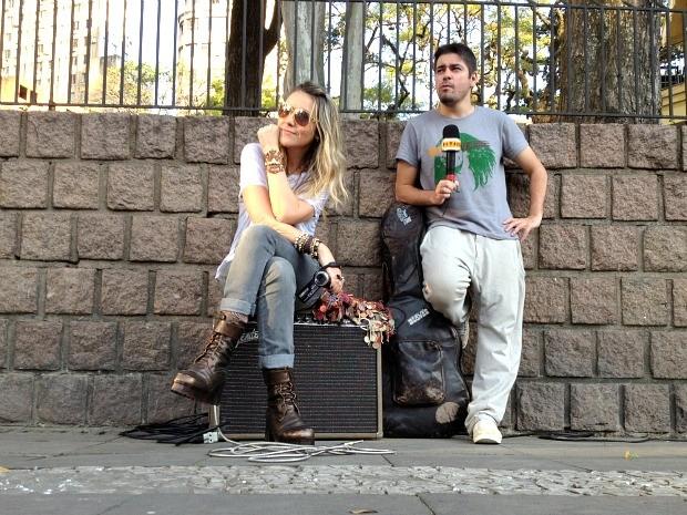 Rodaika e Potter no Centro de Porto Alegre (Foto: Reprodução/RBS TV)