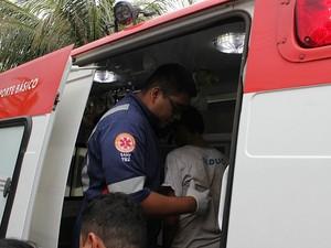 Um dos jovens, de 15 anos, resgatados após as buscas (Foto: Rosianne Couto/G1 AM)