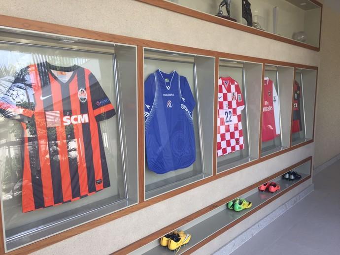 Camisas Eduardo da Silva (Foto: Igor Rodrigues)