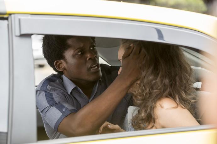 JF e Luana sofrem acidente (Foto: Felipe Monteiro / Gshow)