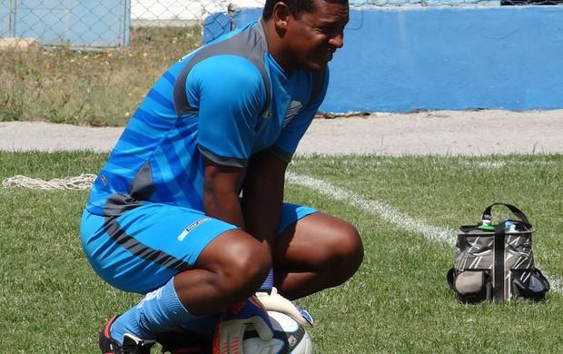 Flávio, goleiro do CSA (Foto: Leonardo Freire/GLOBOESPORTE.COM)