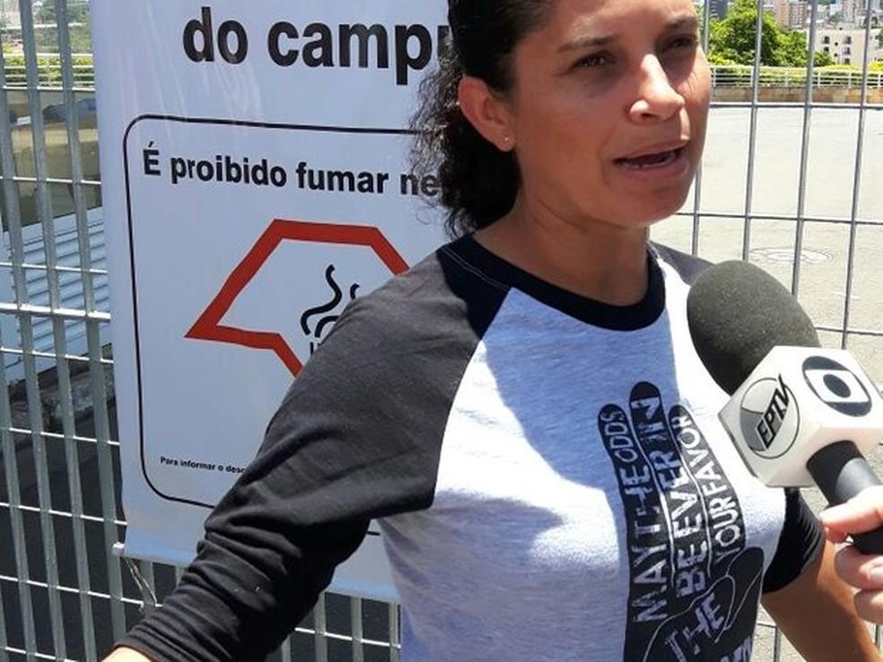 Candidata Jucileine Cristina da Silva perdeu provas do Enem, neste sábado, em Campinas (SP) (Foto: Ana Clara Rampazzo/G1)