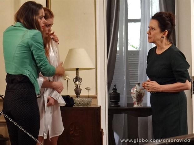Leila se faz de amiga e culpa Lídia (Foto: Amor à Vida / TV Globo)