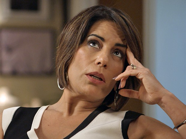 Beatriz foge das investidas de Otávio e avisa que não está disposta (Foto: TV Globo)