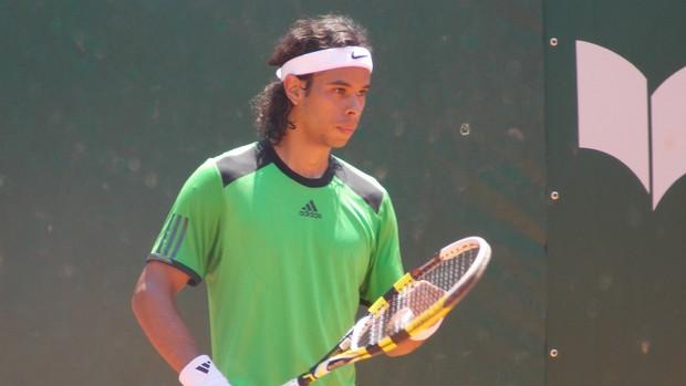 O tenista Daniel Dutra Silva no torneio Future de Tênis em São José dos Campos (Foto: Danilo Sardinha/Globoesporte.com)